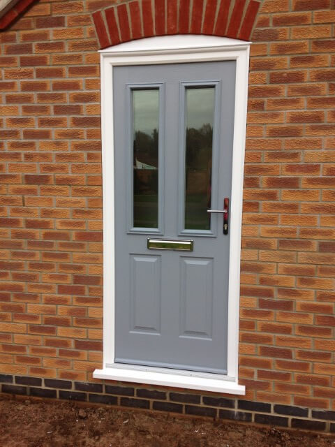 Ludlow 2 solidor with chrome furniture